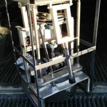 rebanadora de platanos en jaula para exportacion